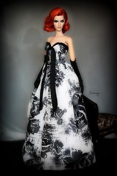 12.15.5 / by:wizgerg3 Barbie Wedding Dress, Barbie Gowns, Barbie Clothes, Fashion Royalty Dolls, Fashion Dolls, Fashion Dresses, Cocktail Attire, Tie Styles, Barbie Collection