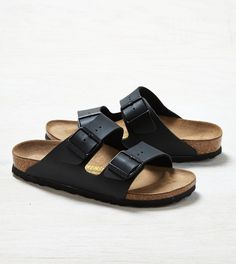 3b71249eb14 10 Pieces to Pack For A Weekend Getaway    Birkenstock Sandals Black