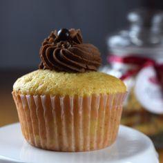 Törtchenbäckerei - Backen, verzieren und genießen: Vanille-Schoko-Cupcakes