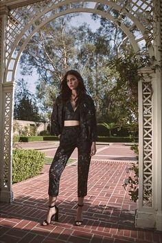 Kendall+Kylie SS17 #kendallandkylie #alexandermcqueen #runway #nyfw http://www.theauburngirl.com/nyfw-il-best-of/