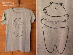 Como fazer - Customização de T- Shirt de urso Diy Clothing, Sewing Clothes, Embroidery Patterns, Hand Embroidery, Diy Camisa, T-shirt Refashion, Diy Mode, Painted Clothes, T Shirt Diy