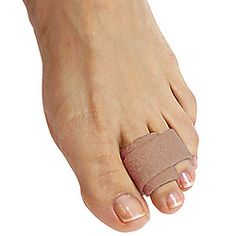 taping a bent hammertoe to a straight toe