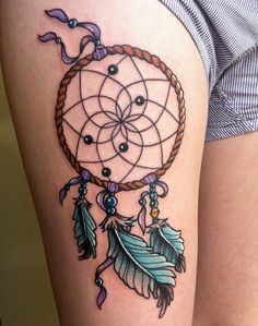 Knotted Feathers and Beads on Dreamcatcher. With the hope of longevity and positive vibes, the feathers are knotted with the dreamcatcher in this tattoo. Winter Tattoo, Tattoo Designs, Henna Designs, Great Tattoos, Beautiful Tattoos, Dreamcatcher Design, Dreamcatcher Tattoos, Dream Catcher Tattoo Design, Coloured Feathers