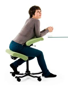 An in depth look at Varier's Wing Balans kneeling chair including it's features and functions and why it can provide a healthy alternative way of sitting. Wood High Chairs, Ikea High Chair, Ergonomic Kneeling Chair, Ergonomic Chair, Home Office Organization, Office Workspace, Office Spaces, Violetta Outfits, Portable High Chairs