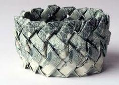 Kto z Was miał na sobie taką piękną biżuterię? Wiecie z czego jest wykonana? Z papieru! :) Podoba się? #ekologia