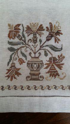 Güler yılmaz Cross Stitch Embroidery, Embroidery Patterns, Cross Stitch Patterns, Diy Crafts Hacks, Bob Ross, Bargello, Pin Cushions, Alphabet, Projects To Try