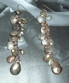 $1 Beautiful Vintage dangle earrings