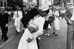 Greta Friedman, Nurse in the Iconic World War II 'Kiss Photo' Dies
