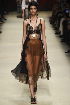 21 of the best runway looks from Milan fashion week spring/summer '16: Alberta Ferretti