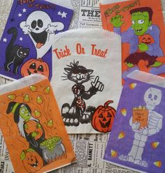 vintage trick or treat bags - Yahoo Search Results Yahoo Image Search Results Circus Tickets, Vintage Halloween Images, Trick Or Treat Bags, Halloween Trick Or Treat, Vintage Circus, Halloween Horror, Christmas Signs, Pink Blue, Scrapbook