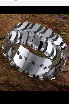 Mud tire ring, where do I find this! I don't care for the other tire rings because they don't have any bling but this one does and I LOVEE it! Wedding Men, Wedding Bands, Wedding Ideas, Camo Wedding, Dream Wedding, Diesel Punk, Country Girls, Jewelry Accessories, Rings For Men