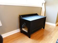 DIY Cat Litter Box Furniture - Made From Ikea Toy Box. Doing this one day, when we have to reclaim our upstairs bathroom Diy Litter Box, Hidden Litter Boxes, Litter Box Covers, Litter Box Enclosure, Ikea Toys, Diy Cat Toys, Pet Furniture, Furniture Ideas, Diy Stuffed Animals