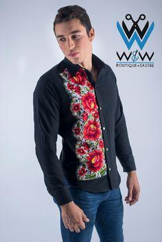 Camisa rayas tejidas con bordado flores punto cruz espalda