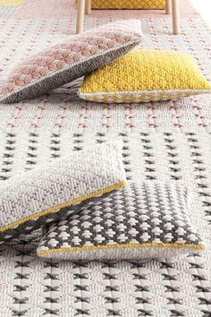 New Apartment Interior Modern Pillows Ideas Handmade Pillows, Custom Pillows, Decorative Pillows, Sun Hats For Women, Modern Pillows, Pillow Quotes, Pillow Room, Handmade Home, Apartment Interior
