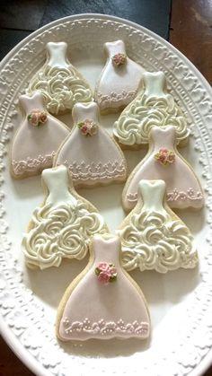 Wedding Dress Cookies, Wedding Shower Cookies, Bridal Shower, Baby Shower, Yummy Cookies, Cake Cookies, Sugar Cookies, Cookies Et Biscuits, Heart Cookies