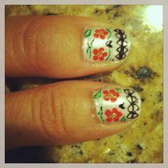 Dia de los muertos nail design