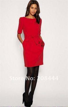 Красное платье длиной до колен