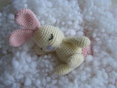 Craft Room, Free Amigurumi pattern - Sleeping Bunny.  This would be an excellent first attempt at amigurumi.  The pattern also includes several step-by-step illustrations for stuffing and assembly.