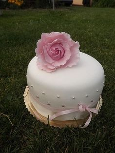 kvet-2 , narodeninové torty | Tortyodmamy.sk