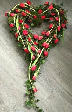 Funeral Flower Arrangements, Ikebana Flower Arrangement, Funeral Flowers, Wedding Flowers, Flower Box Gift, Flower Boxes, My Flower, Casket Flowers, Cemetery Decorations