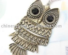 Luv This owl necklace
