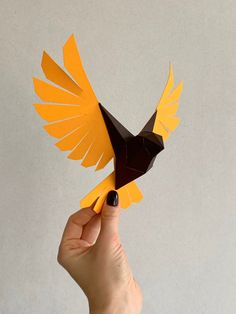 Paper Flowers Discover Sparrow - Make your own Low poly bird on fly Geometric bird Paper sculpture Papercraft bird Sparrow Origami 3d, Origami Ball, Paper Crafts Origami, Oragami, Simple Origami, Origami Hearts, Origami Boxes, Dollar Origami, Origami Bookmark