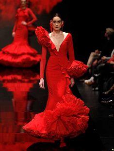 Lovely Dresses, Elegant Dresses, Sexy Dresses, Fashion Dresses, Flamenco Costume, Spanish Dress, African Fashion Ankara, Haute Couture Dresses, Dance Dresses