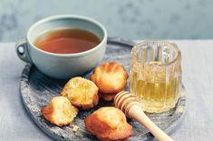 Le pâtissier Cédric Grolet nous livre ses secrets de chef : son mode d'emploi pour réaliser de délicieuses madeleines maison.