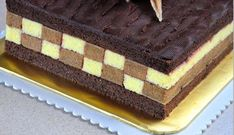 Tort sah mat, foarte aspectuos si gustos, va fi remarcat la orice petrecere • Gustoase.net Croissant, Dessert Bars, Food And Drink, Sweets, Cake, Pies, Mascarpone, Gummi Candy, Candy