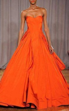 Zac Posen Fall/Winter 2014 Trunkshow Look 19 on Moda Operandi - that rich orange color is to die for! Beautiful Gowns, Beautiful Outfits, Gorgeous Dress, Mode Orange, Orange Dress, Dress Black, Zac Posen, Mode Style, Womens Fashion