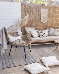 Small Balcony Decor, Balcony Design, Outdoor Furniture Sets, Outdoor Decor, Pergola Designs, Backyard Patio, Outdoor Living, Living Spaces, Sweet Home