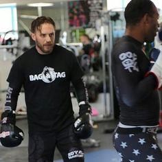 いいね!20件、コメント1件 ― Tarah さん(@tarah_vaness)のInstagramアカウント: 「#tomhardy and @mrbagandtag training for #Venom xx #tomhardyfans #tomhardyfilms #actor #brilliant…」