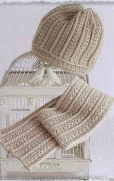 Crochet cap and scarf Bonnet Crochet, Crochet Cap, Crochet Scarves, Crochet Shawl, Crochet Stitches, Free Crochet, Knitting Patterns, Crochet Patterns, Scarf Hat