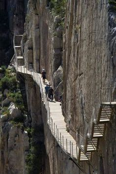 El Caminito del Rey is a Walkway in El Chorro, Spain. The Places Youll Go, Places To See, Dangerous Roads, Scary Places, Amazing Buildings, Beautiful Places To Visit, Adventure Is Out There, Spain Travel, Plein Air