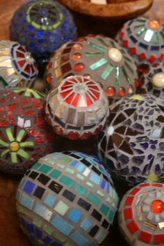 more ideas for mosaic balls of different sizes