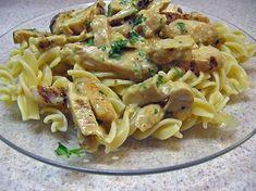 Κοτόπουλο με βίδες και σάλτσα μουστάρδας. Μια εύκολη, γρήγορη συνταγή για ένα υπέροχο φαγητό που θα σίγουρα θα απολαύσετε. 1 πακέτο ζυμαρικό βίδες 1 κύβο κ Greek Recipes, Meat Recipes, Pasta Recipes, Italian Recipes, Chicken Recipes, Cooking Recipes, Healthy Recipes, Cooking Ideas, Pasta Dishes