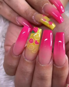 Cute summer acrylic nails with lemons and strawberry nail art Bright Summer Acrylic Nails, Bright Pink Nails, Best Acrylic Nails, Purple Nail, Summer Stiletto Nails, Pink Summer Nails, Matte Pink, Blush Pink, Fruit Nail Designs
