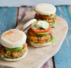 Lemon & Vanilla: Salmon burgers / Hamburgueres de salmão.
