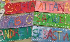 Este trimestre hemos realizado un proyecto sobre el nombre propio.     Gracias a él hemos reforzado el reconocimiento de nuestros nombre y... Five Senses Preschool, Abc Preschool, Alphabet Bingo, Sign Language Alphabet, Name Activities, Toddler Activities, Sensory Activities, Arts And Crafts Projects, School Projects