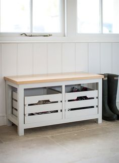 Emsworth Storage Bench with two chalk crates great to keep the home tidy and clutter free.