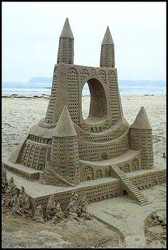Hey beach people- can u make a sandcastle like this!?