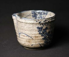 Lovely antique blue-and-white kyo-yaki katakuchi (single mouth) vessel with skillfully painted hagi (bush clover) motif. Ceramic Cups, Ceramic Pottery, Ceramic Art, Slab Pottery, Japanese Ceramics, Japanese Pottery, Kintsugi, Earthenware, Stoneware