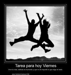 Imagen de http://www.cartelescreativos.com/upload/carteles/1388289743-tarea-para-hoy-viernes-vive-la-vida-como-nunca.jpg.