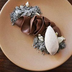 Dark chocolate, black sesame, and banana, conroy_matt Gourmet Desserts, Plated Desserts, Just Desserts, Gourmet Recipes, Delicious Desserts, Dessert Recipes, Yummy Food, Dessert Food, Mini Chocolate