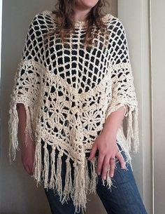 Fabulous Crochet a Little Black Crochet Dress Ideas. Georgeous Crochet a Little Black Crochet Dress Ideas. Crochet Poncho Patterns, Crochet Scarves, Crochet Shawl, Crochet Clothes, Knit Crochet, Crochet Summer, Crochet Vests, Granny Stripes, Diy Crafts Crochet