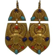 Askew London 'egyptian Revival' Winged Scarab Doorknocker Earrings ($595) ❤ liked on Polyvore featuring jewelry, earrings, brown, wing jewelry, egyptian earrings, earring jewelry, egyptian-inspired jewelry and egyptian jewellery