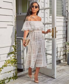 Photo by Chic Couture Online® on August Image may contain: 1 person Black Women Fashion, Look Fashion, Womens Fashion, Classy Outfits, Chic Outfits, Chic Couture Online, Trends, Dress Collection, Passion For Fashion