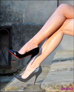 Hot Heels, Sexy High Heels, Beautiful High Heels, Sexy Legs And Heels, Stockings Heels, Nylons Heels, Stilettos, Pumps Heels, Black Pointed Heels