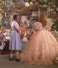 Glinda the Good Witch Costume---orig. Glinda The Good Witch, The Worst Witch, Movie Costumes, Character Costumes, Halloween Costumes, Wizard Of Oz 1939, Billie Burke, Dorothy Gale, Land Of Oz
