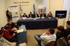Buzzi encabezó licitaciones para construir dos escuelas y obras en la Ruta Interbalnearia http://www.ambitosur.com.ar/buzzi-encabezo-licitaciones-para-construir-dos-escuelas-y-obras-en-la-ruta-interbalnearia/ Se trata de un nuevo edificio para el nivel Secundario en Esquel y otro para el Nivel Inicial en Epuyén. A su vez, se conocieron las ofertas para la ejecución de la carpeta asfáltica de un tramo la Ruta Provincial N° 1, entre Rawson y Puerto Madryn. El Gobernador de